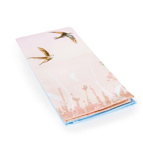 Theedoek met zwaluwen roze/blauw